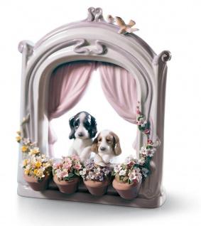 Casa Padrino Luxus Porzellan Skulptur Wartende Haustiere / Hunde Mehrfarbig 18 x H. 21 cm - Luxus Wohnzimmmer Deko