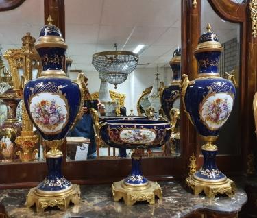 Casa Padrino Luxus Barock Porzellan Vasen und Schalen Set (2 Vasen und 1 Schale) mit Messing Griffen