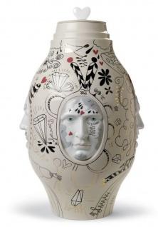Casa Padrino Designer Porzellan Vase Beige / Mehrfarbig Ø 31 x H. 47 cm - Handgefertigtes & Handbemaltes Luxus Deko Objekt