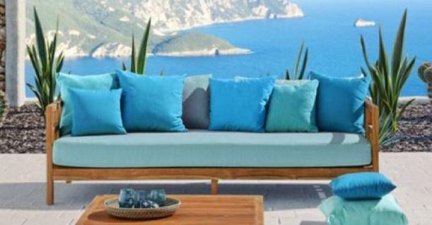 Casa Padrino Luxus Massivholz Gartensofa Braun / Hellblau 220 x 94 x H. 65 cm - Wetterbeständiges Teakholz Sofa mit Kissen - Garten & Terrassen Möbel - Luxus Qualität