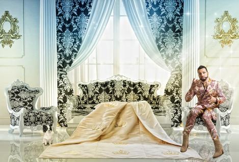 Harald Glööckler Designer Wohndecke 150 x 200 cm Royal Beige / Gold + Casa Padrino Luxus Barock Bleistift mit Kronendesign - Vorschau 2