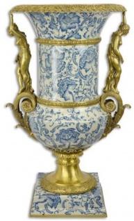 Casa Padrino Barock Deko Vase Creme / Blau / Gold 53 x 47, 8 x H. 85, 7 cm - Prunkvolle Porzellan Blumenvase mit 2 Bronze Griffen - Deko Accessoires im Barockstil