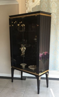 Casa Padrino Luxus Barock Vitrine Schwarz / Gold 102 x 55 x H. 180 cm - Massivholz Vitrinenschrank im Barockstil - Edle Barock Möbel