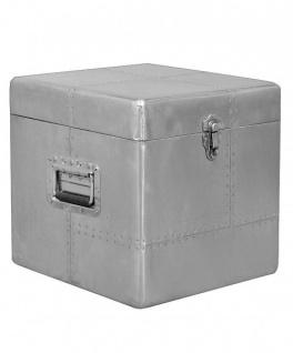 Casa Padrino Luxus Designer Aluminium Beistelltisch/Truhe B 50 cm, H 50 cm - Art Deco Vintage Flieger Möbel