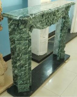 Casa Padrino Luxus Barock Kaminumrandung Grün 140 x 30 x H. 108 cm - Prunkvolle Kaminumrandung aus hochwertigem Marmor - Deko Accessoires im Barockstil