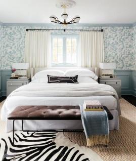 Casa Padrino Luxus LED Kronleuchter Bronze / Messing / Weiß Ø 70, 5 x H. 16, 5 cm - Kronleuchter mit kugelförmigen Lampenschirmen - Luxus Qualität - Vorschau 4