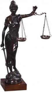 Casa Padrino Luxus Bronzefigur Justitia auf Mahagoni Holzsockel Bronze / Dunkelbraun 45 x 25 x H. 80 cm - Luxus Kollektion