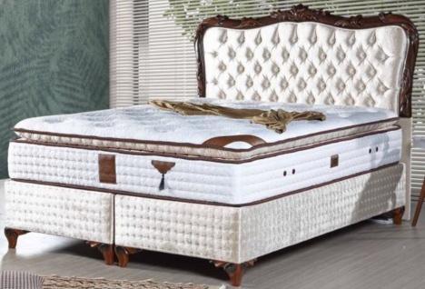 Casa Padrino Barock Doppelbett mit Matratze Champagnerfarben / Braun - Edles Bett im Barockstil - Komplett Set
