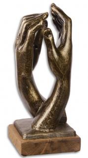 Casa Padrino Designer Gusseisen Skulptur Hände Antik Gold / Schwarz / Naturfarben 17, 4 x 18, 4 x H. 39, 9 cm - Luxus Deko Objekt
