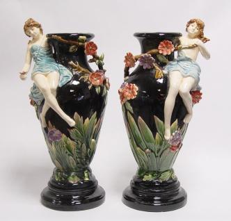 Casa Padrino Barock Porzellan Vasen Set mit Blumenmädchen - H 43 cm (2 Stück) - Luxus Keramik Vasen