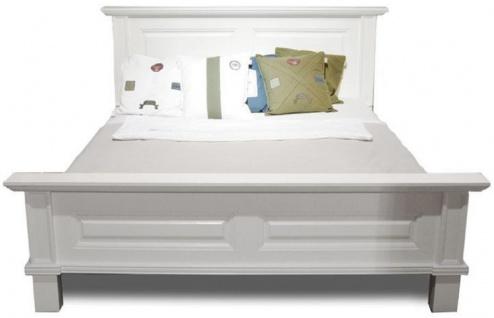Casa Padrino Landhausstil Doppelbett Weiß 200 x 200 x H. 110 cm - Massivholz Bett - Landhausstil Schlafzimmer Möbel