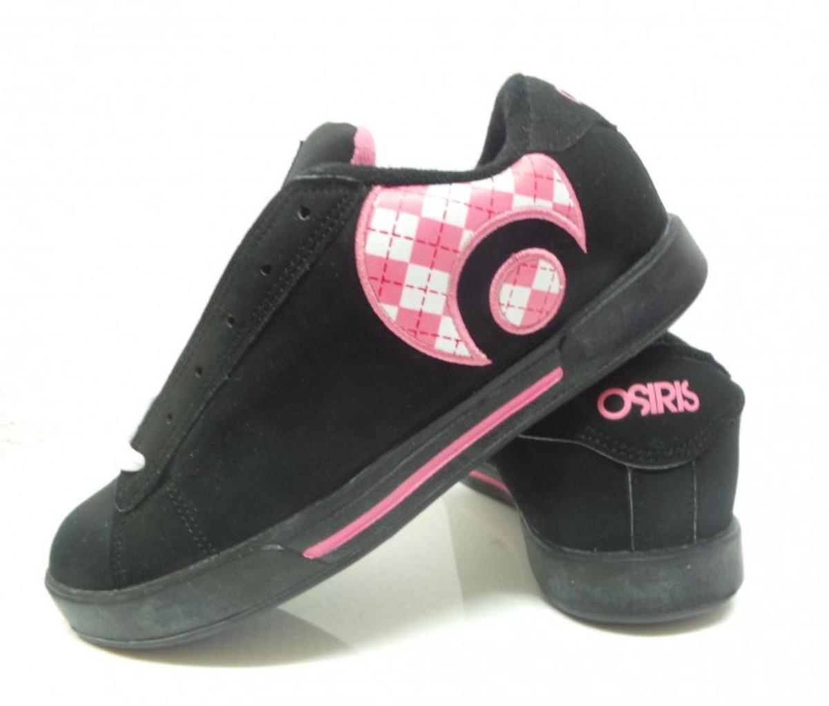 Osiris Skateboard Schuhe Serve Icon Girls schwarz Bubble Gum  Argyle  schwarz Bubble Gum  Argyle
