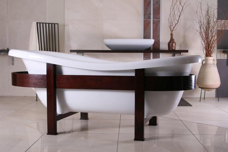 badezimmer antik badspiegel von antik ber klassisch bis. Black Bedroom Furniture Sets. Home Design Ideas