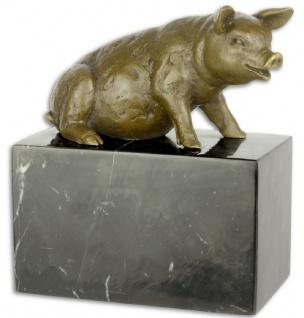Casa Padrino Luxus Bronzefigur sitzendes Schwein Bronze / Schwarz 8 x 14 x H. 15, 6 cm - Dekofigur mit Marmorsockel