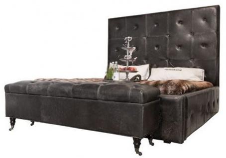 Casa Padrino Echtleder Doppelbett Vintage Schwarz 215 x 215 x H. 180 cm - Modernes Massivholz Bett mit Kopfteil - Schlafzimmer Möbel
