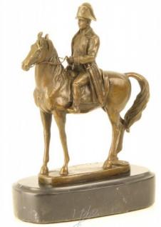 Casa Padrino Luxus Bronze Figur Napoleon auf Pferd auf Natursteinsockel - Militaria Skulptur