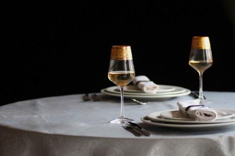 Casa Padrino Luxus Barock Weißweinglas 6er Set Gold Ø 8 x H. 21, 5 cm - Handgefertigte und handgravierte Weingläser - Hotel & Restaurant Accessoires - Luxus Qualität