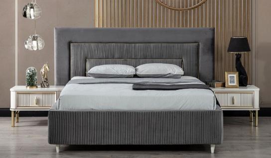 Casa Padrino Luxus Schlafzimmer Set Grau / Weiß / Gold - 1 Doppelbett mit Kopfteil & 2 Nachttische - Schlafzimmer Möbel - Luxus Kollektion