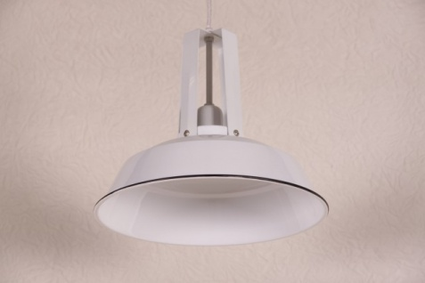 Casa Padrino Vintage Industrie Hängeleuchte Antik Stil Epoxy Weiß Hochglanz Metall Durchmesser 34cm - Restaurant - Hotel Lampe Leuchte - Industrial Leuchte