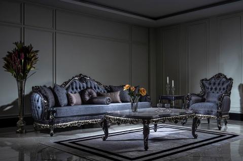 Casa Padrino Luxus Barock Wohnzimmer Set Weiß / Blau / Gold - 2 Sofas & 2 Sessel & 1 Couchtisch - Prunkvolle Wohnzimmer Möbel im Barockstil