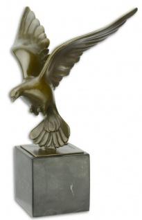 Casa Padrino Luxus Bronze Skulptur Vogel Taube im Flug Bronze / Schwarz 18, 5 x 17, 6 x H. 27, 8 cm - Bronzefigur mit Marmorsockel - Deko Accessoires