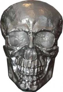 Casa Padrino Skulptur Totenkopf Skull Silber B. 30 cm H. 43 cm - Deko Figur