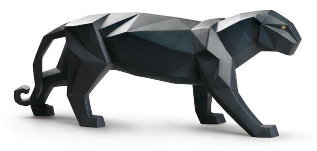 Casa Padrino Luxus Porzellan Panther Skulptur Mattschwarz 50 x H. 19 cm - Hangefertigte & Handbemalte Deko Figur