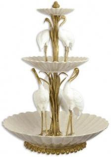 Casa Padrino Luxus Bronze Porzellan Etagere mit dekkorativen Reiher Vögeln Weiß / Gold Ø 47, 8 x H. 63, 6 cm - Hotel & Restaurant Accessoires