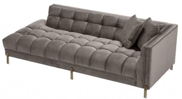 Casa Padrino Luxus Lounge Sofa Grau / Messingfarben 223 x 95 x H. 68 cm - Rechtsseitiges Wohnzimmer Sofa mit edlem Samtsoff und 2 Kissen - Vorschau 2