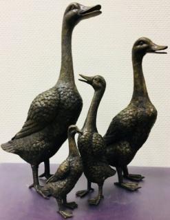 Casa Padrino Luxus Bronzefiguren Set Entenfamilie Bronze / Gold 15 x 15 x H. 53 cm - Luxus Dekofiguren