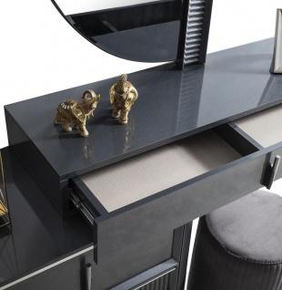 Casa Padrino Luxus Schlafzimmer Schminktisch Set Grau / Silber - 1 Schminkkommode mit Spiegel & 1 Hocker - Luxus Schlafzimmer Möbel - Vorschau 2