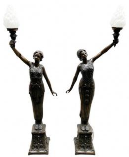 Casa Padrino Luxus Barock Stehleuchten Damen mit Fakeln Bronzefarben / Weiß 65 x 30 x H. 190 cm - Elegante Bronze Deko Skulpturen - Prunkvolle Barock Bronze Leuchten
