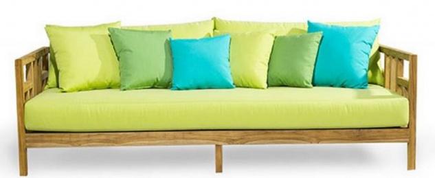 Casa Padrino Luxus Massivholz Gartensofa Naturfarben / Hellgrün 220 x 94 x H. 65 cm - Wetterbeständiges Teakholz Sofa mit Kissen - Garten & Terrassen Möbel - Luxus Qualität