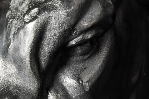Casa Padrino Designer Stierkopf Torero Höhe: 53 cm, Breite: 63 cm, Tiefe: 53 cm edle Skulptur aus Aluminium, vernickelt - Edel & Prunkvoll - Vorschau 4