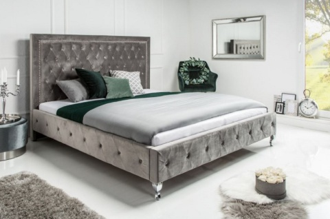 Casa Padrino Chesterfield Samt Doppelbett Silbergrau / Silber 190 x 215 x H. 130 cm - Massivholz Bett mit Kopfteil - Chesterfield Schlafzimmer Möbel