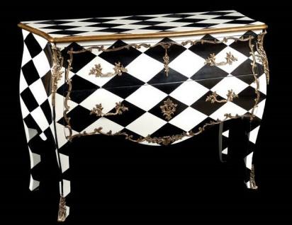 Casa Padrino Barock Kommode Schwarz / Weiß Karo mit goldenen Metall Applikationen