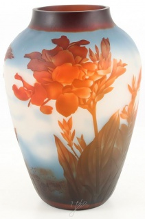 Casa Padrino Glas Vase Rote Blumen Weiß / Mehrfarbig Ø 23, 3 x H. 33, 2 cm - Luxus Cameoglas Deko Blumenvase