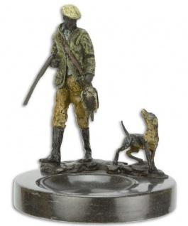 Casa Padrino Luxus Aschenbecher mit dekorativen Bronzefiguren Jäger und Hund Mehrfarbig / Schwarz Ø 12, 9 x H. 15, 8 cm - Deko Accessoires