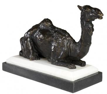 Casa Padrino Designer Bronzefigur Kamel auf Sockel 37 x 15 x H. 24 cm - Edel & Prunkvoll