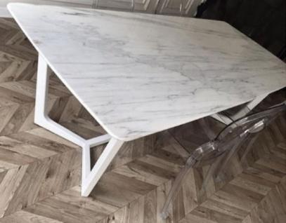Casa Padrino Luxus Esstisch Weiß 200 x 100 x H. 75 cm - Moderner Küchentisch mit Marmor Tischplatte und Edelstahl Gestell - Luxus Esszimmer Möbel