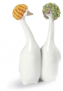 Casa Padrino Porzellan Gänse Skulptur Orange / Grün 11 x H. 21 cm - Luxus Dekoration