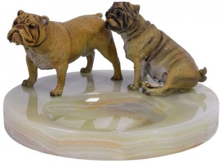 Casa Padrino Luxus Aschenbecher mit Bronzefiguren Mehrfarbig Ø 19, 9 x H. 10, 7 cm - Onyx Naturstein Aschenbecher mit 2 dekorativen Bronze Hunden