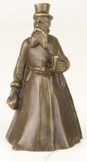 Casa Padrino Jugendstil Tischglocke Gentleman Bronze / Gold 5, 5 x 5, 5 x H. 9, 9 cm - Tischklingel Service Glocke - Hotel & Gastronomie Accessoires