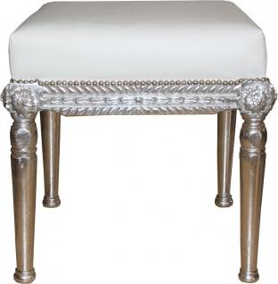 Casa Padrino Barock Antik Stil Sitzhocker in Weiß/Silber B 56 cm, H 54 cm - Barock Sitzhocker