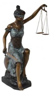 Casa Padrino Luxus Bronze Skulptur Justitia Bronzefarben / Hellblau / Schwarz 40 x 51 x H. 83 cm - Deko Bronzefigur - Wohnzimmer Deko - Büro Deko - Luxus Qualität