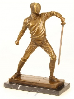 Casa Padrino Luxus Bronze Skulptur Fechter Gold / Bronze / Schwarz 21, 5 x 9, 5 x H. 31 cm - Bronzefigur