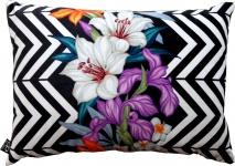 Casa Padrino Wohnzimmer Kissen Georgia Flowers Schwarz / Weiß / Mehrfarbig Lilie 35 x 55 cm - Feinster Samtstoff - Luxus Deko Accessoires