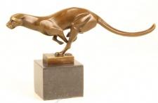 Casa Padrino Luxus Bronze Figur Rennender Puma auf Natursteinsockel - Tier Skulptur