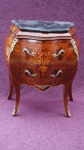 Casa Padrino Barock Kommode mit Marmorplatte Braun Intarsien H 81 cm, B 70 cm - Modell Mahagoni - Nachttisch Konsole
