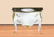 Casa Padrino Luxus Barock Waschtisch Weiß / Gold mit cremefarbener Marmorplatte - Luxus Barock Badezimmermöbel